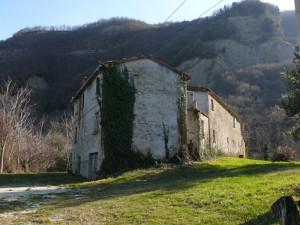 Cella sotto il lato Nord di Monte Pincio