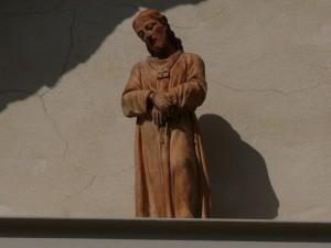 Particolare della lunetta sul portale dell'abbazia di Montetiffi