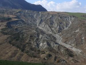 Zona calanchiva presso Collina in cui sono ubicate le sorgenti del Fiume Uso